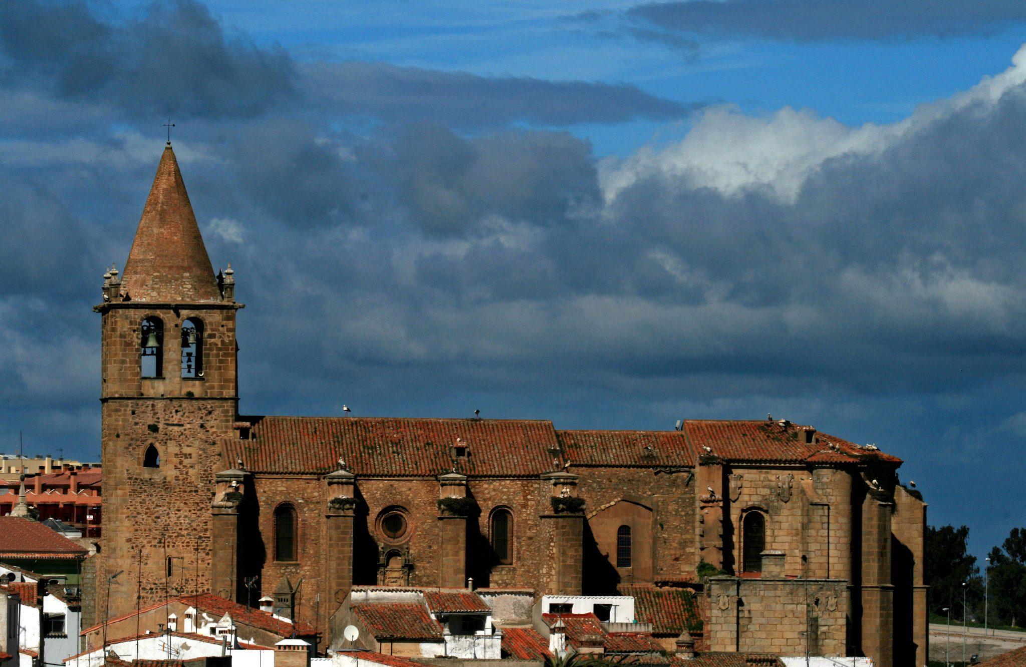 Resultado de imagen de Iglesia de Santiago caceres