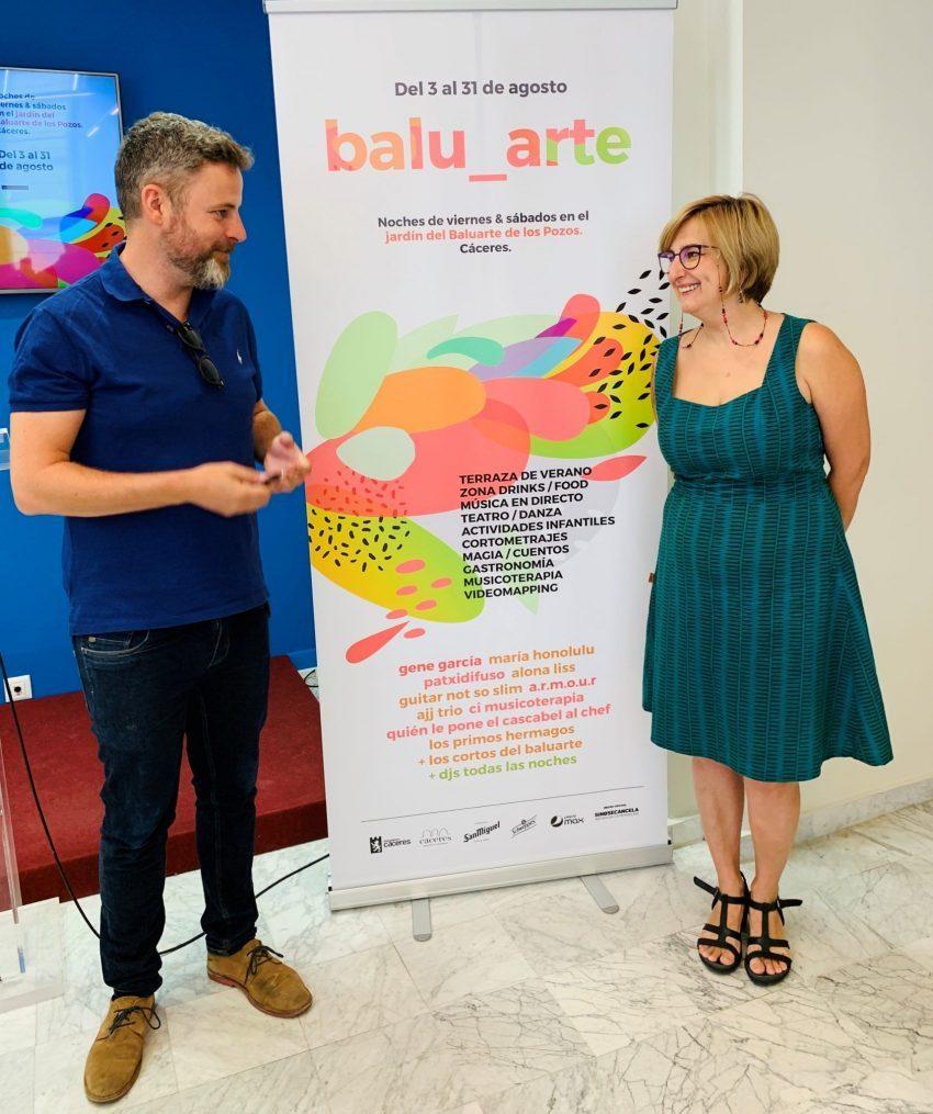 La concejala de Cultura, Fernanda Valdés, y el concejal de Turismo, Jorge Villar