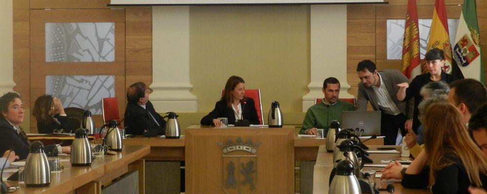 El Ayuntamiento realiza el sorteo de las 102 mesas electorales para los comicios del 28-A