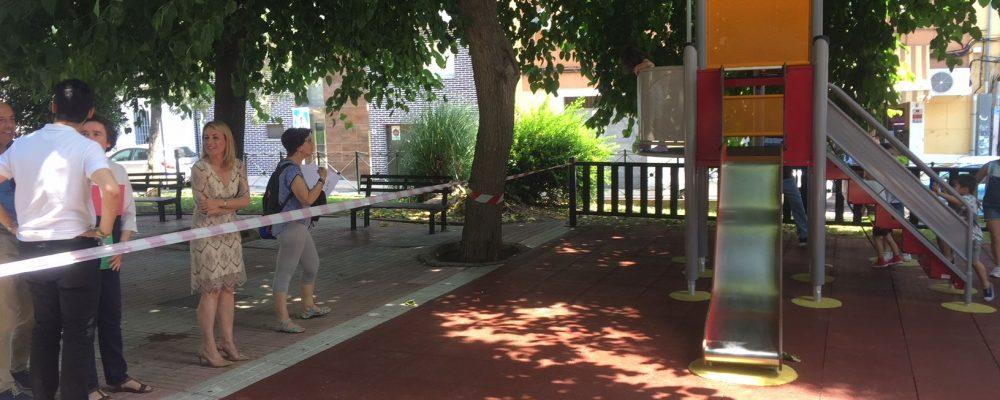 El Ayuntamiento adapta la zona de juegos infantiles de Plaza de Italia a la nueva normativa de seguridad