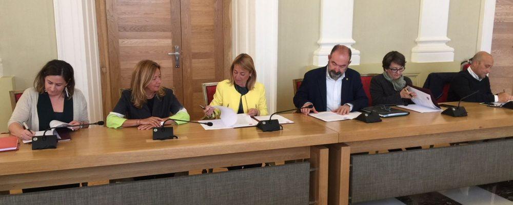 Cáceres destina 85.000 euros a cinco convenios con entidades sociales