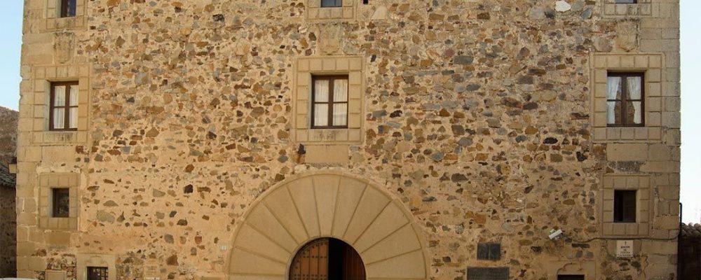Corte de tráfico en la plaza de Pereros con motivo de las obras en el Palacio Francisco de Sande