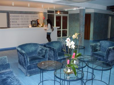 AHC HOTELES LOW COST