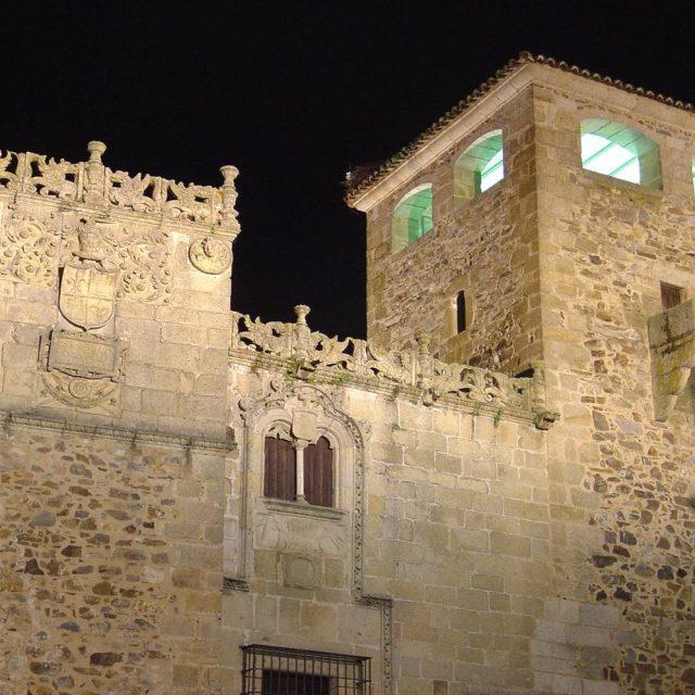 Palacio de Golfines de Abajo (Palace of Down Golfines)