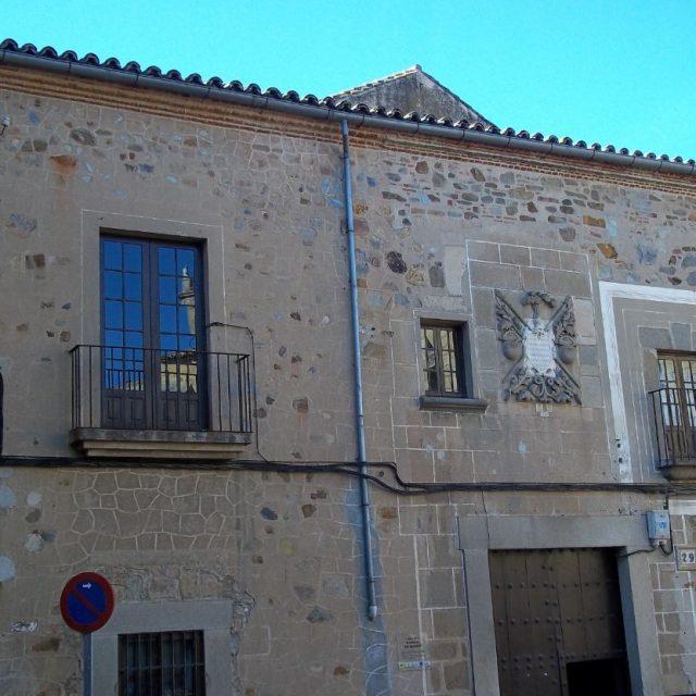 Monroy's Palace (Marqués of the Monroy-Camara of commerce)