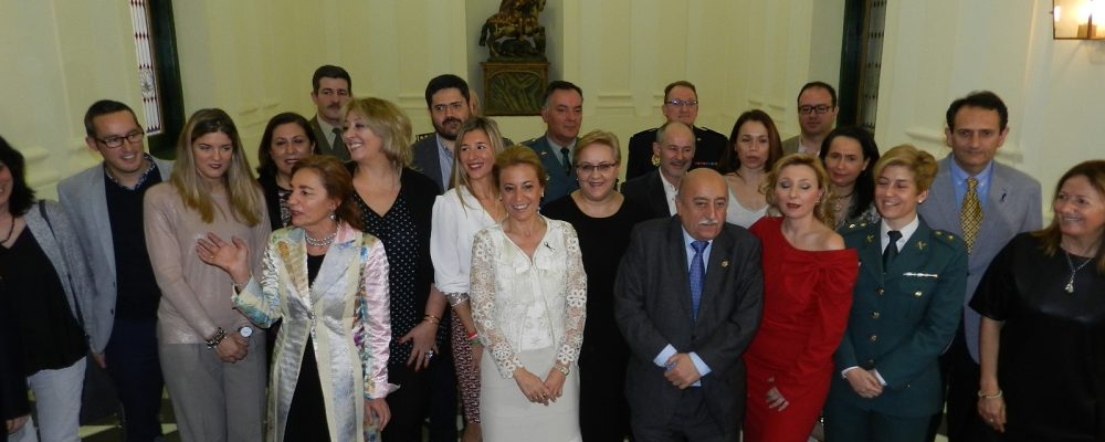 Cáceres homenajea a ocho mujeres en un acto reivindicativo de la igualdad