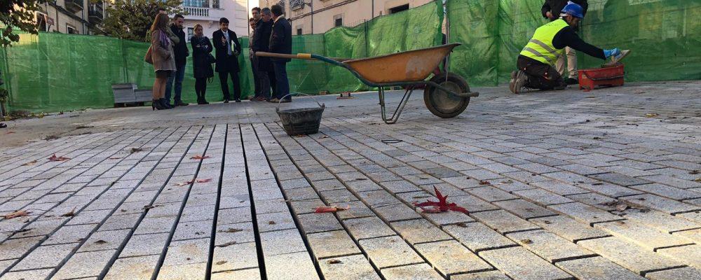 La alcaldesa visita el estado de las obras de San Juan, Adarve del Cristo y Obras Pías de Roco